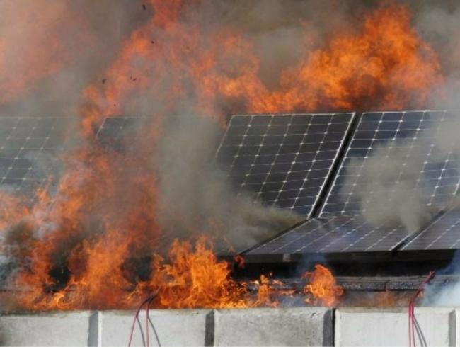 incendio-impianto-fotovoltaico