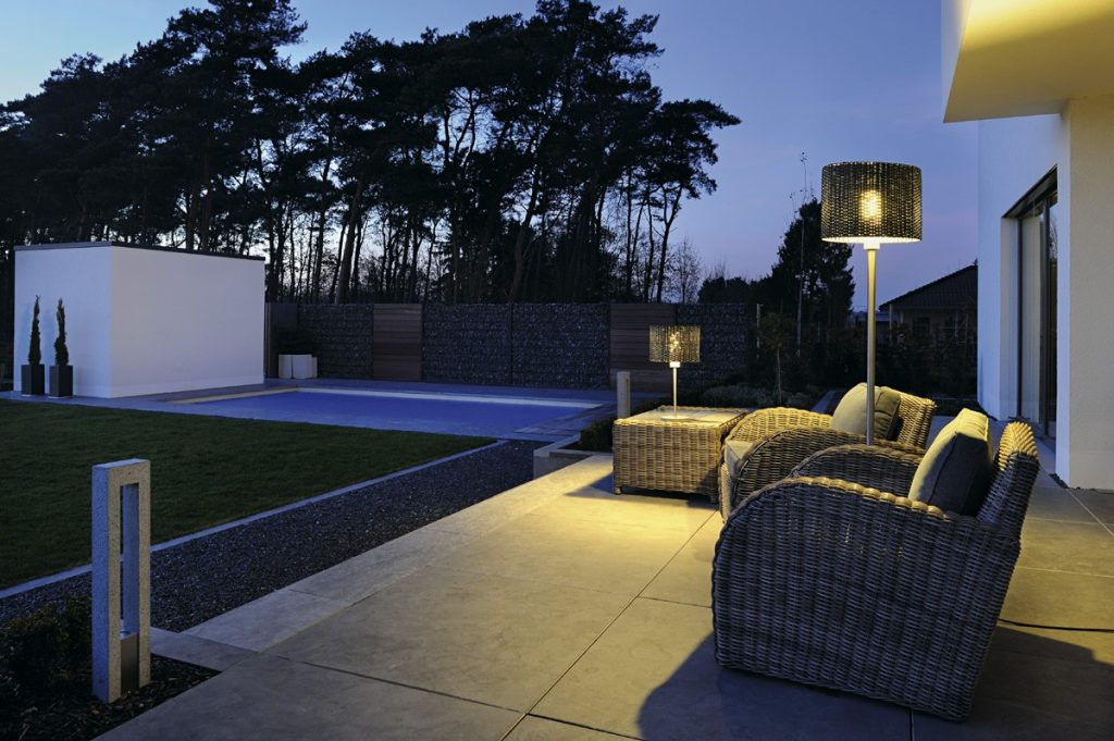 Idee arredamento giardino : 5 lampade per illuminare la tua estate
